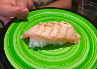 Jenne & Miko recommend! Seared salmon with mayo.